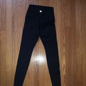 High wasted wunder under pants in black
